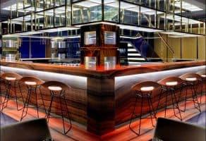 "Vault Bar - ""בר הכספת"" בדובאי"